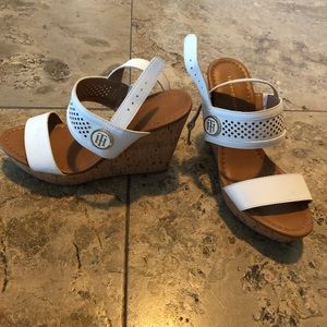 Tommy Hilfiger, new, heeled sandal, size 6, $27
